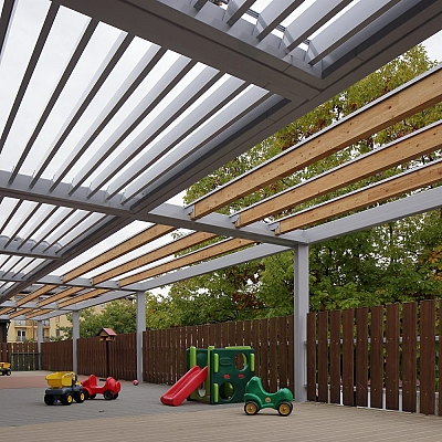 PROJECT KINDERGARTEN – Bioclimatic pergola Agava XL. Customized solution for kindregarten. Conception, production, supply, installation.