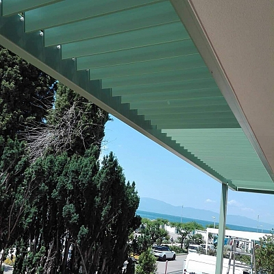 BIOCLIMATIC PERGOLA AGAVA XL – custom solution for the end customer. Production, supply and installation.