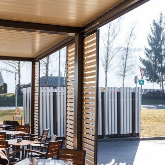BIOCLIMATIC PERGOLA AGAVA – custom solution for restaurant, production and installation