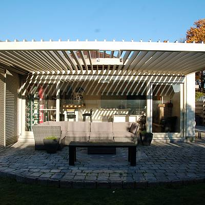 BIOCLIMATIC PERGOLA AGAVA – custom solution in cooperation with distributer. BELGIUM. Production & supply.